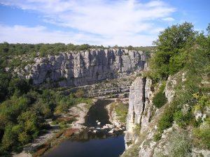 Les campings trois-étoiles à Vallon-Pont-d'Arc