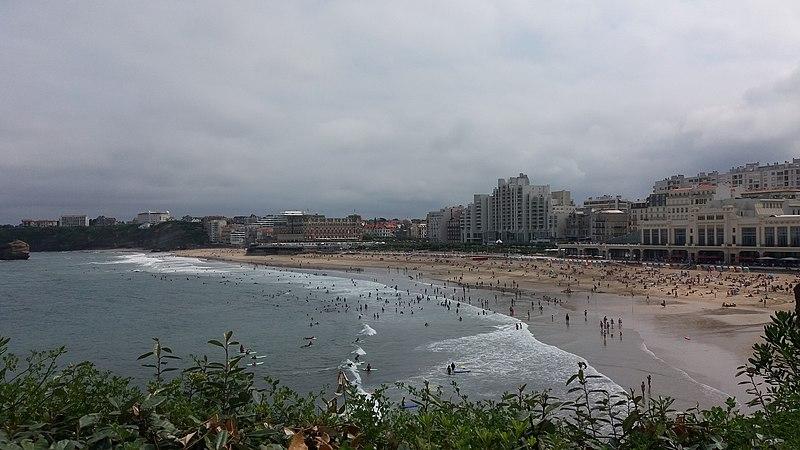 Biarritz, la ville bourgeoise aux milliers d'adeptes